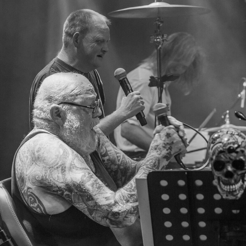 <strong>The Shavers - Paradiso - 22-12-2019 (18)</strong>